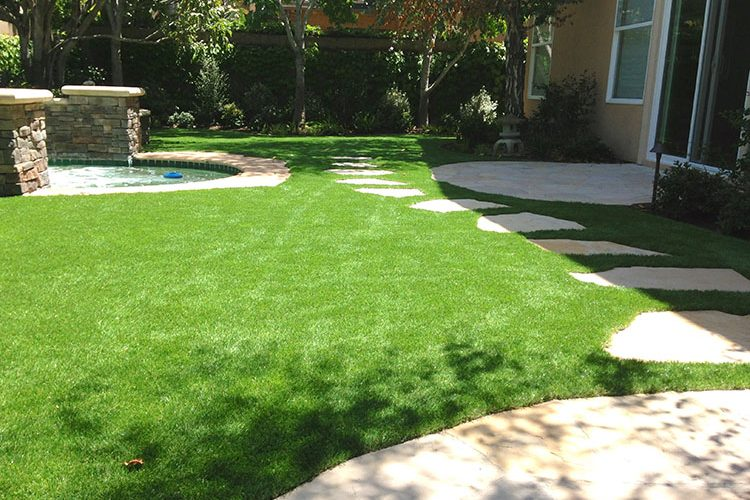 Newport Coast homeowner selects NoMow Turf for backyard photo shoot